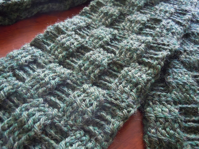 Illuminate Crochet: Mens Crochet and Basketweave Scarf