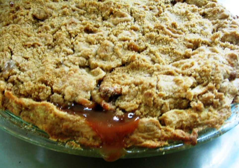 The Nummy Little Blog: Apple Pie Dump Cake