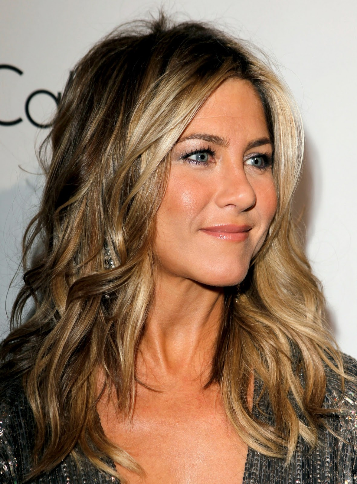 http://2.bp.blogspot.com/-7viumaOOrAs/TqQRWX_qu9I/AAAAAAAAA70/FwPeSWxhjMM/s1600/Jennifer-Aniston-6Jennifer+Aniston+%25E2%2580%2593+ELLE+18th+Annual+Women+in+Hollywood+Tribute.jpg