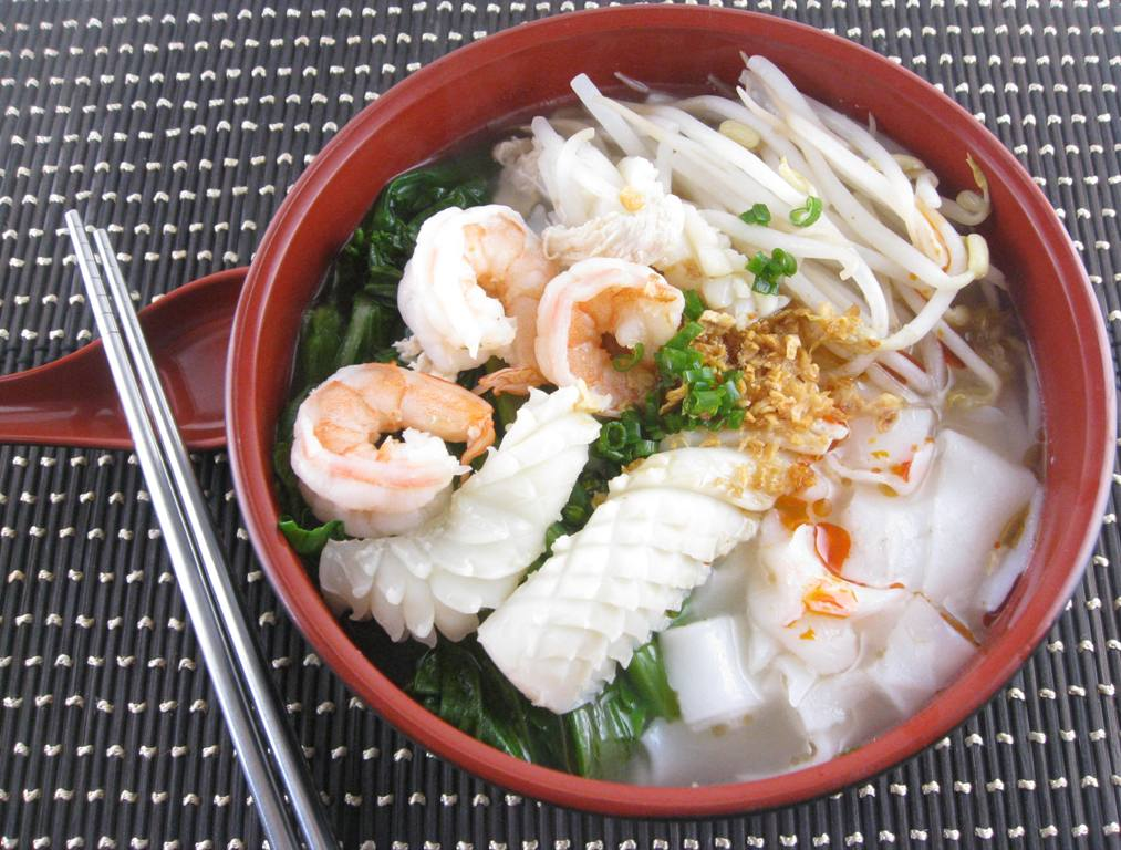 ipoh sar hor fun broth known as ipoh sar hor fun ipoh chicken sar hor ...