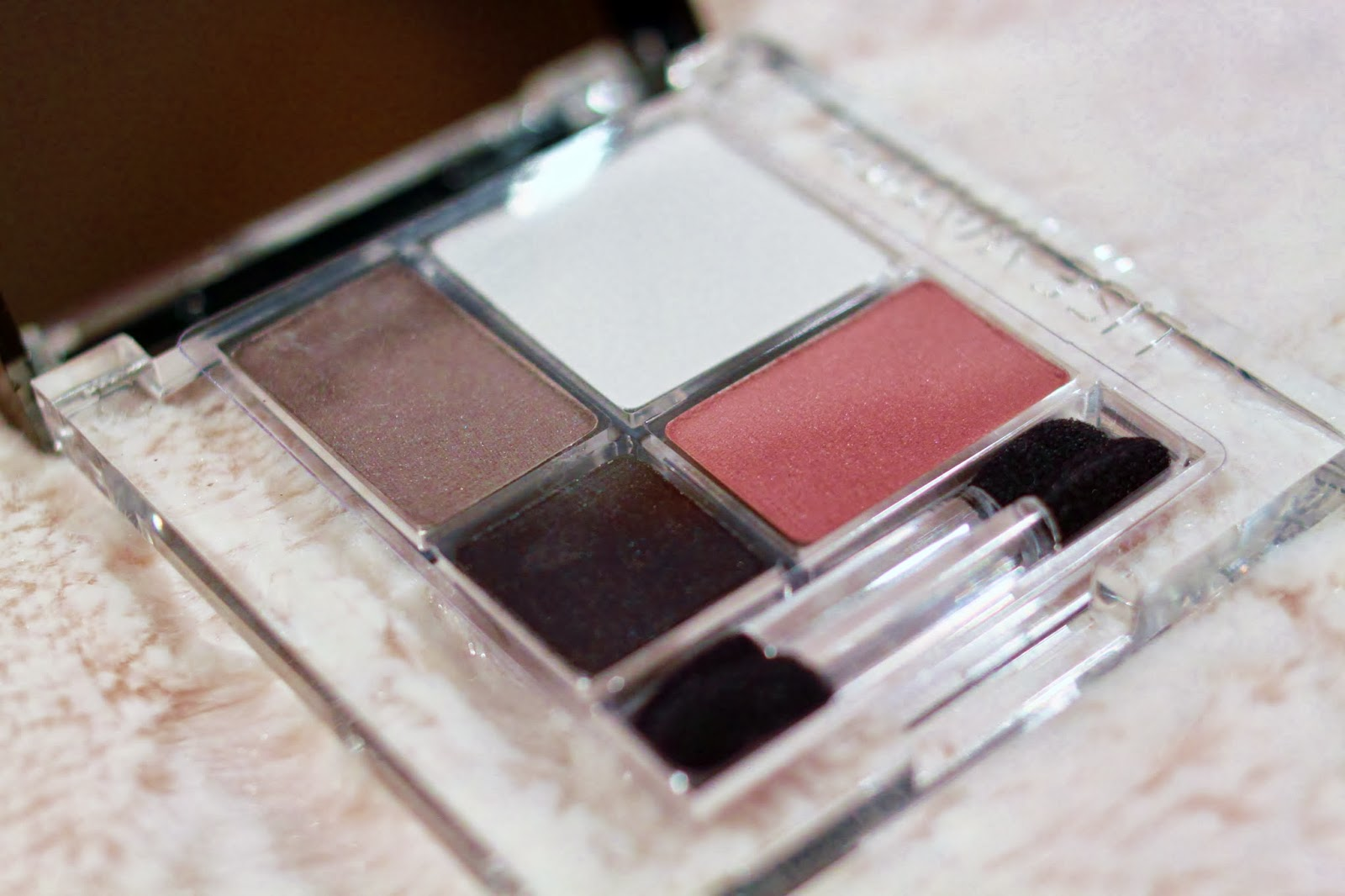 Lise Watier Spring 2014 Quad Les Mats eye-shadow palette. Photo: Just J