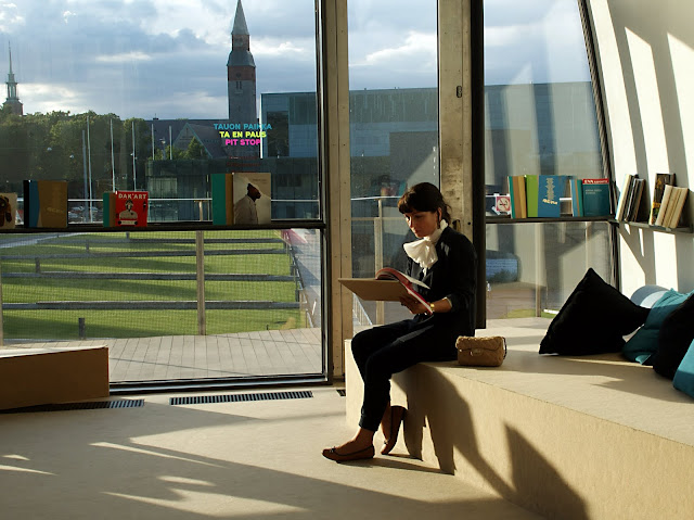 interiores-del-museo-de-Arte-Contemporáneo-Kiasma-en-helsinki