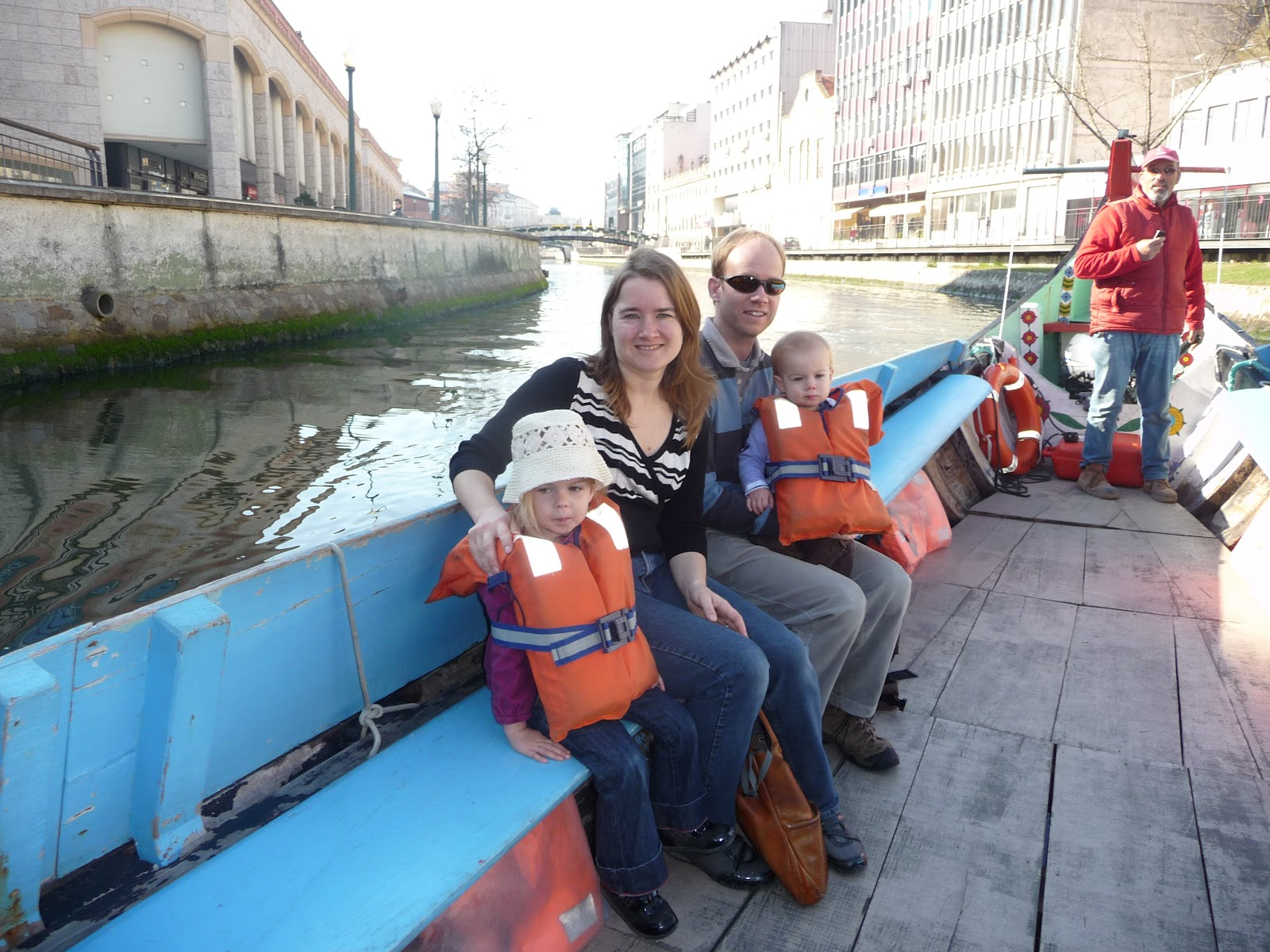 Expat dating in portugal