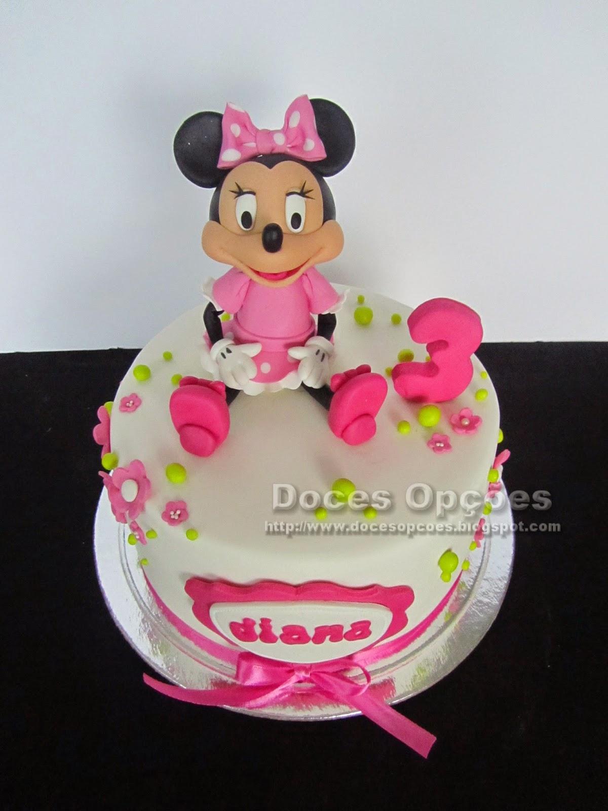 Bolo de aniversário com a Minnie disney bragança