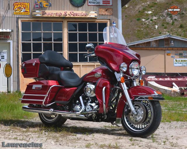 Harley-Davidson-Touring_Ultra_Classic_Electra_Glide_FLHTCU