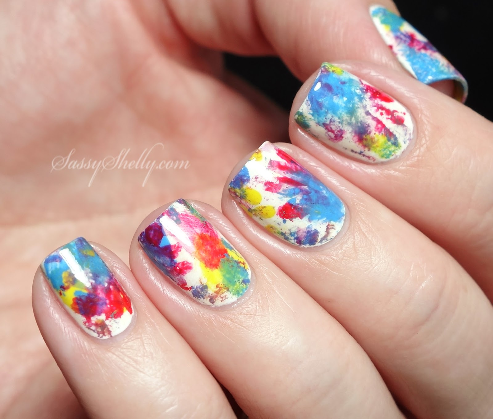 Colorful abstract sponge manicure inspired by kids finger paintings  // Sassy Shelly