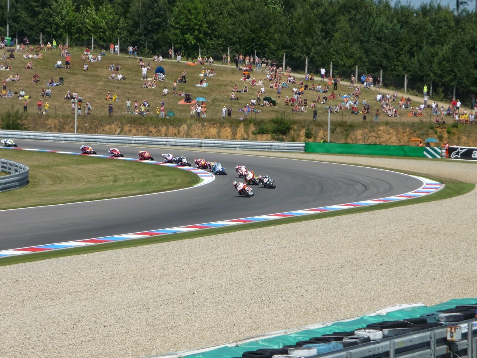 carrera de 250cc en el circuito de brno