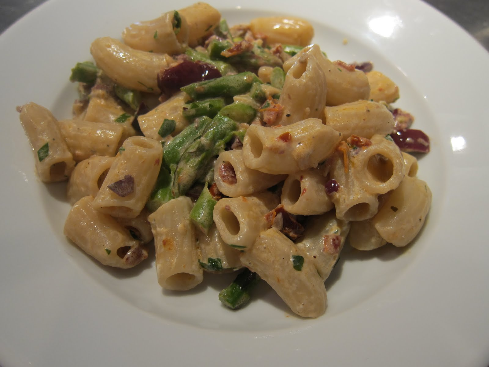 ... Kitchen: Asparagus, Sun-dried tomato, Olive and Goat Cheese Pasta