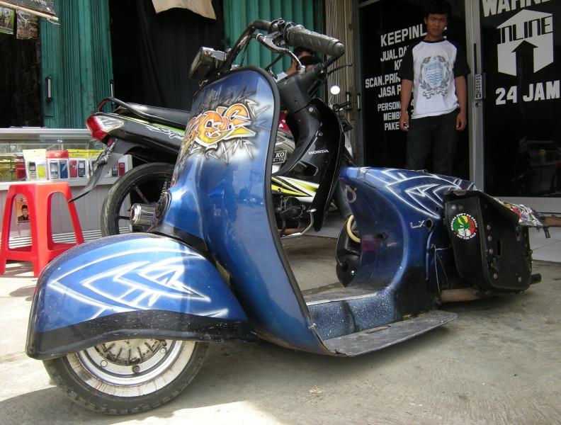 Modifikasi Motor Vespa Ceper Biru