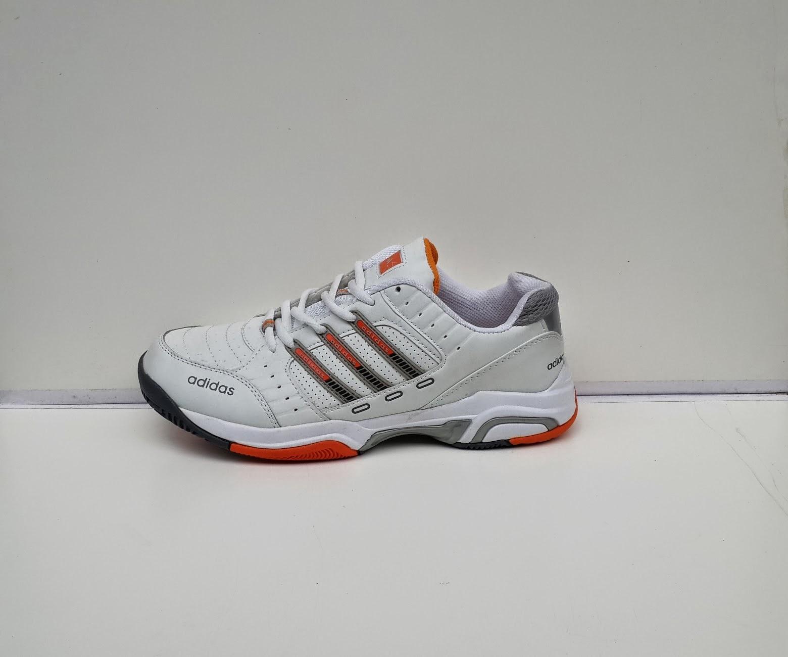 sepatu tenis,sepatu putih tenis,sepatu murah tenis