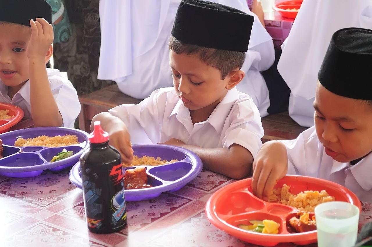 sehat dengan islam tata cara makan rasulullah saw