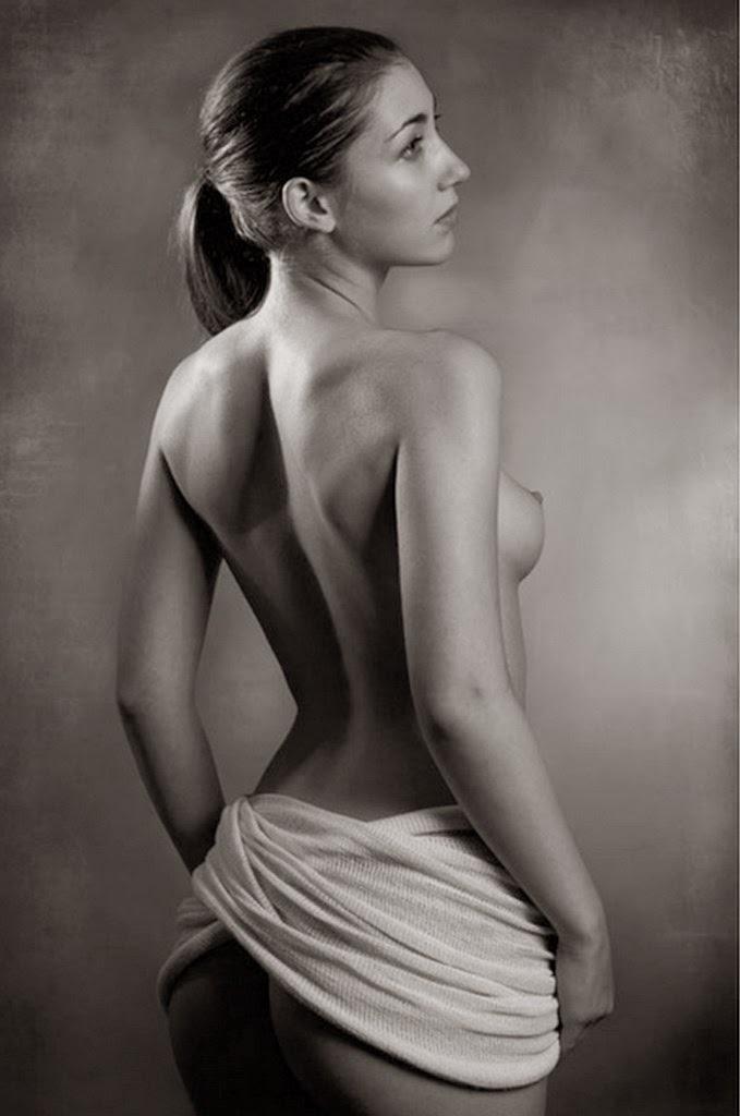 fotografias-artisticas-de-mujeres-de-espalda
