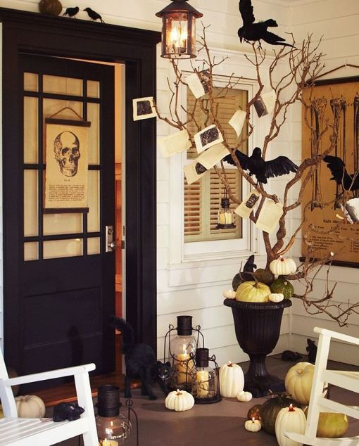 haus design decorating for fall with urns. Black Bedroom Furniture Sets. Home Design Ideas
