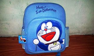 Gambar Tas Sekolah Motif Doraemon