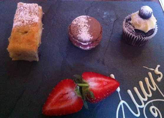 Lucy's of Ambleside Up the Duff Pudding Club - Red, White and Blue Slate