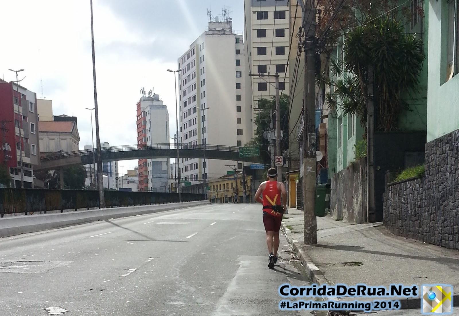 Corredor na Av. Francisco Matarazzo indo em direção ao Elevado Costa e Silva (Minhocão) - Corrida De Rua