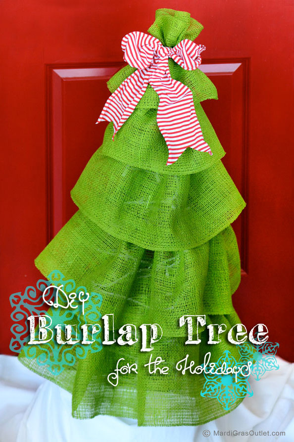 Tutorial for a burlap holiday tree decoration created with a tomato cage