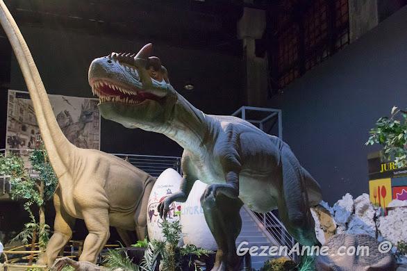 Jurassic Land'teki dev dinozor maketleri, Forum İstanbul