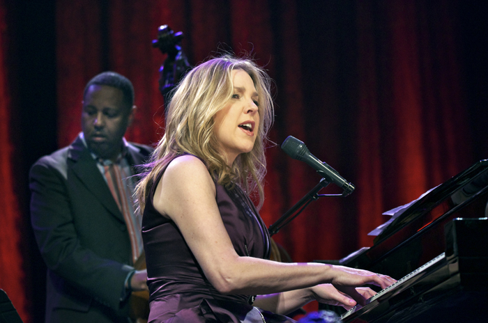 Diana Krall Live At State Theatre on oscar peterson summer samba