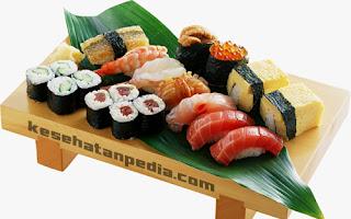 Manfaat Makan Sushi