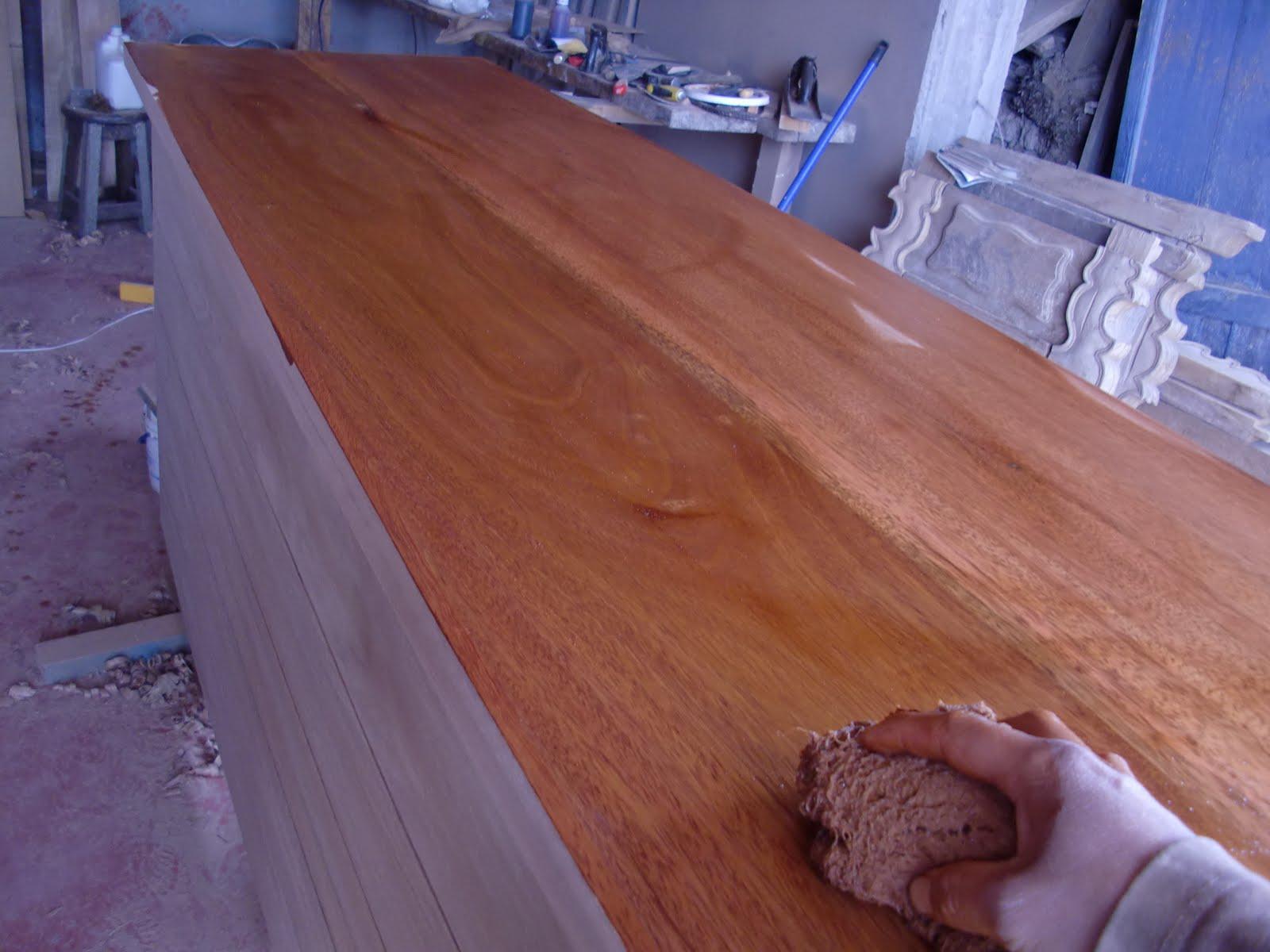 Decoraciones manualidades en madera pintar mueble paso a paso for Pintar un mueble de blanco sin lijar