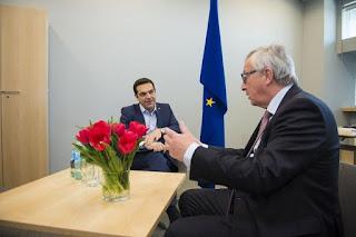 Τη νέα πρόταση, που κατατέθηκε στο πλαίσιο των προσπαθειών να γεφυρωθούν οι διαφορές των δύο πλευρών, θα παρουσιάσει ο Πρωθυπουργός στους Μέρκελ και Ολάντ αύριο στις Βρυξέλλες