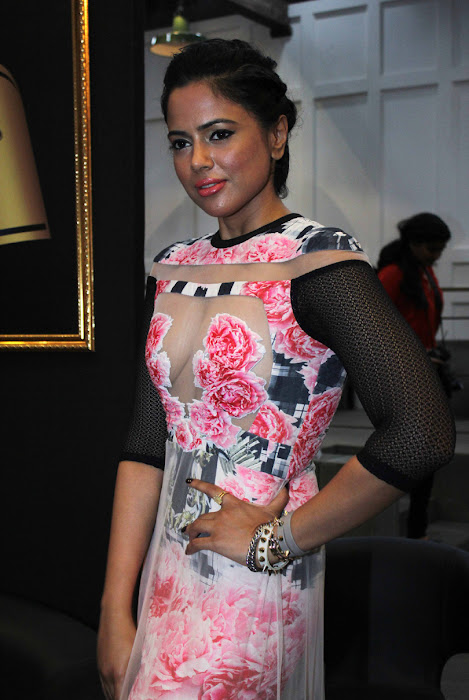 sameera reddy hot images
