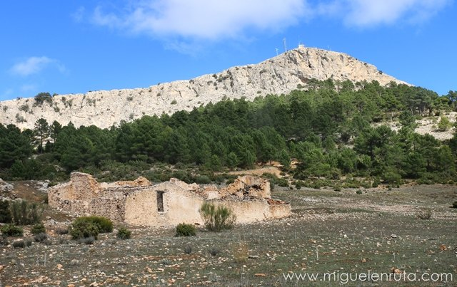 Padrastro-Bogarra-Casas-viejas