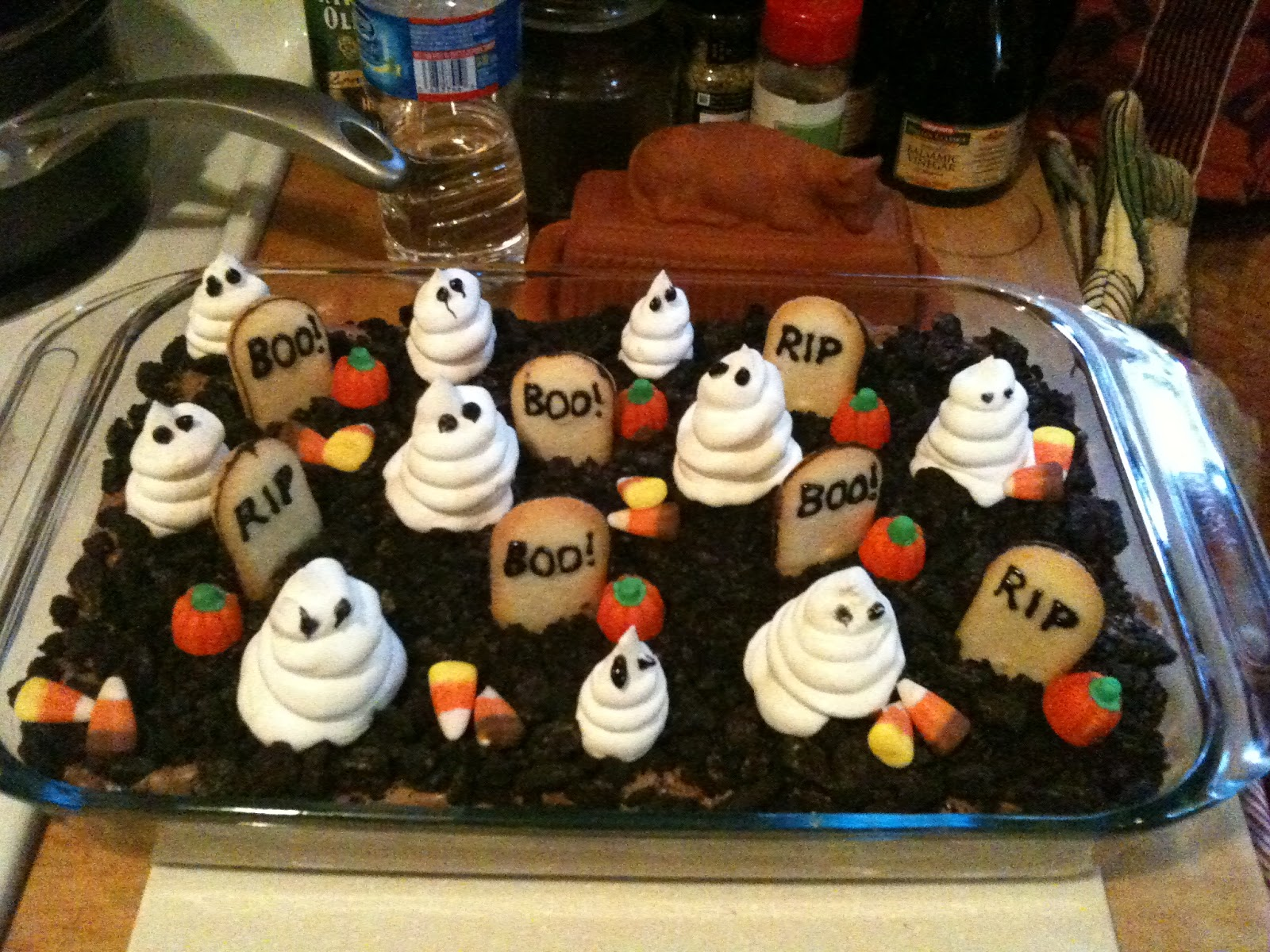 Dirt Cake Ideas For Halloween : Sewing Barefoot: graveyard