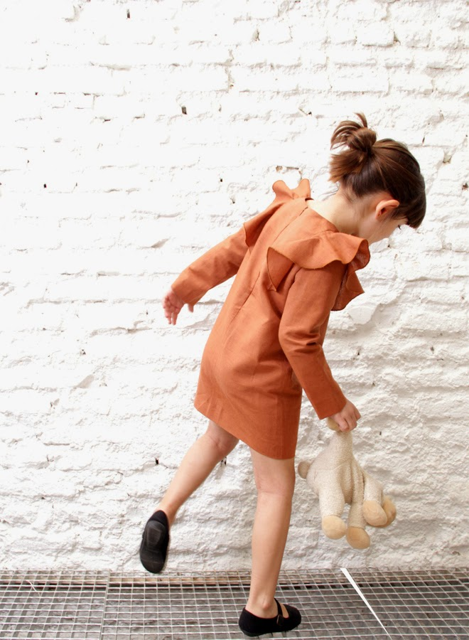 Brown dress with big frills by Spanish Motoreta for spring 2014 kids fashion collection