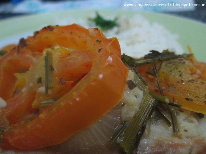 http://viagenssaboresetc.blogspot.com.br/2015/02/saint-peter-no-forno-com-tomate-cebola.html