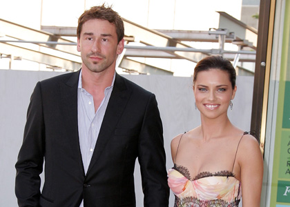 Adriana lima with husband pictures and wallpapers for Adriana lima marito