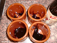 caramelo en moldes de barro