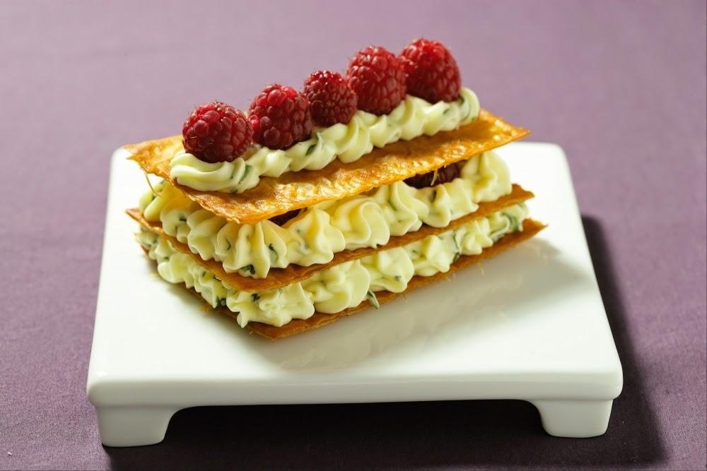"""Mille feuille de pâte filo crème citron basilic et framboise """"l Atelier des chefs """""""