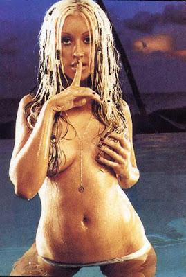 christina aguilera hot nude posing