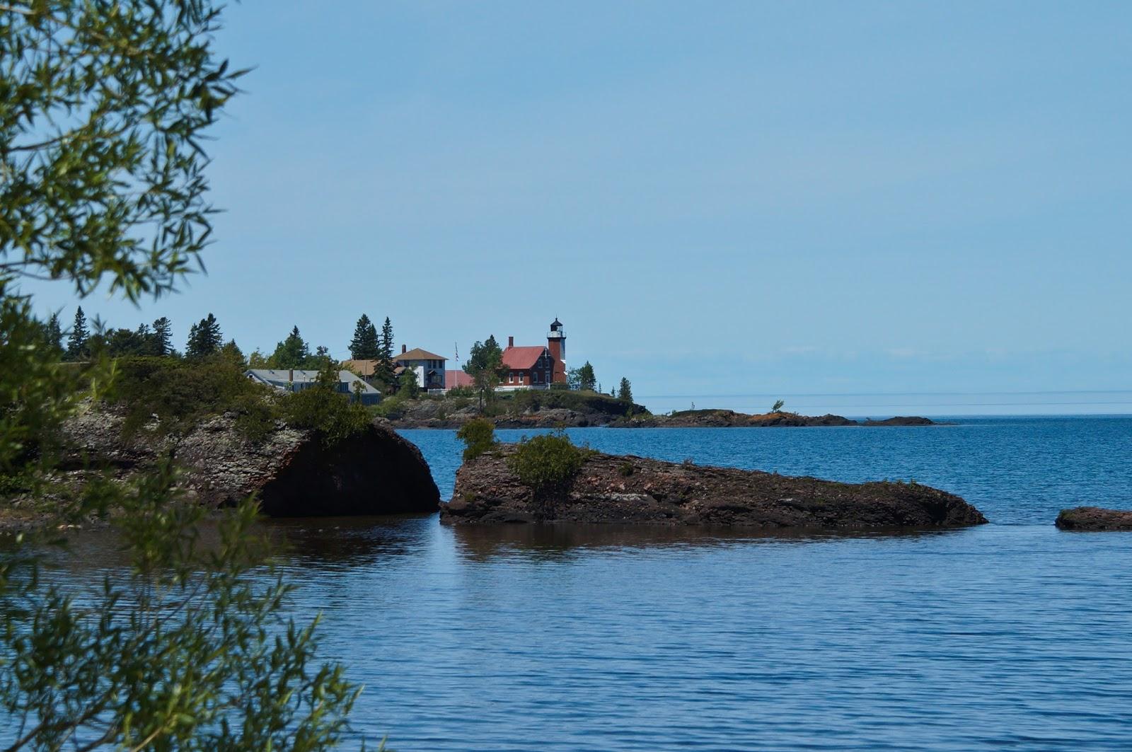 Eagle Harbor Lighthouse, Keweenaw Peninsula, Michigan  № 2240114  скачать