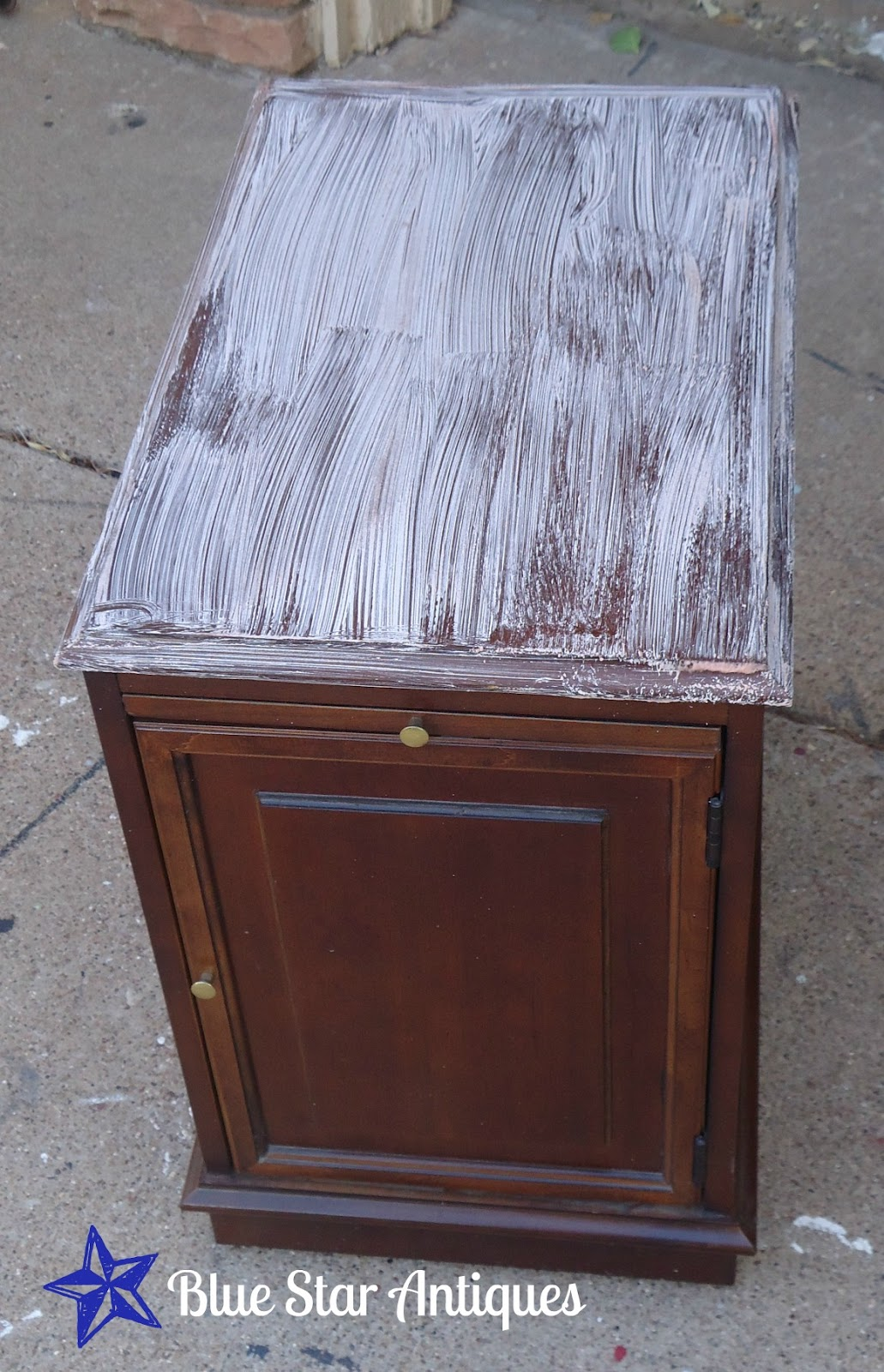 blue star antiques how to strip and refinish a table top. Black Bedroom Furniture Sets. Home Design Ideas