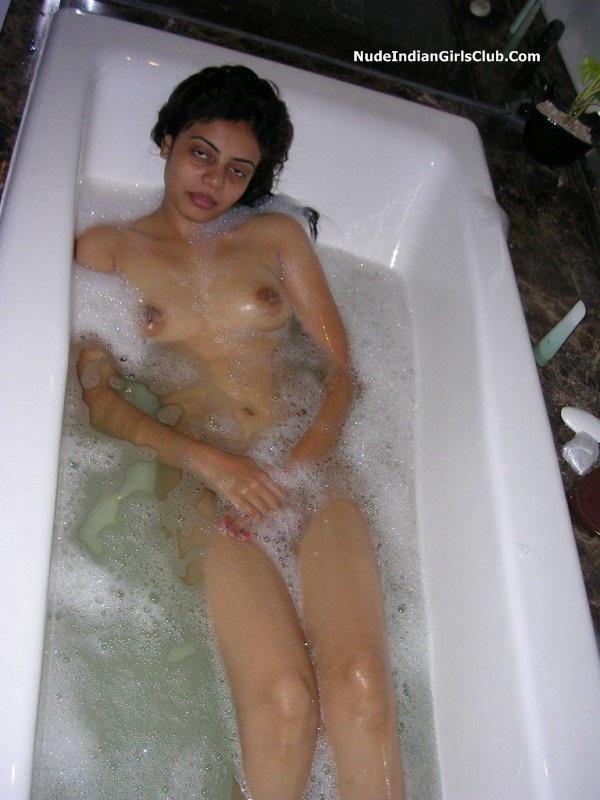 Desi Girls Bathing