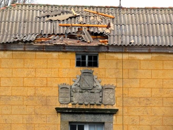CUBIERTA DAÑADA DE EL PALACETE DE EL BOSQUE