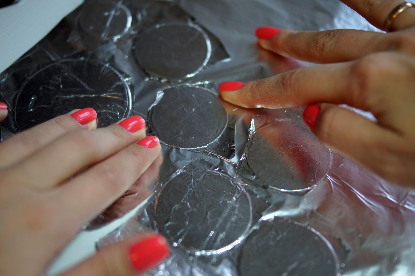 Как наносить фольгу на ногти фото