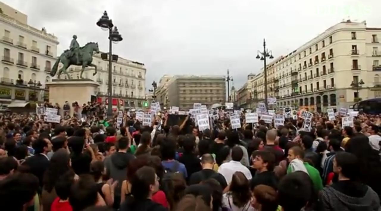 Miles de personas desaf an a la junta electoral y se for Puerta 7 campo de mayo