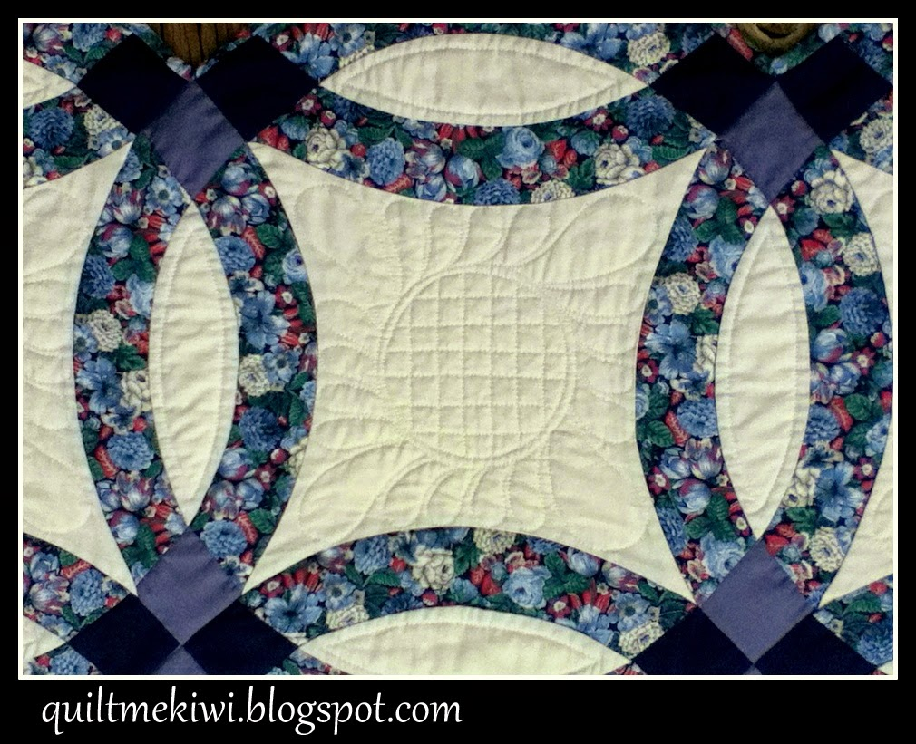 quiltmekiwi: Double Wedding Ring Quilt