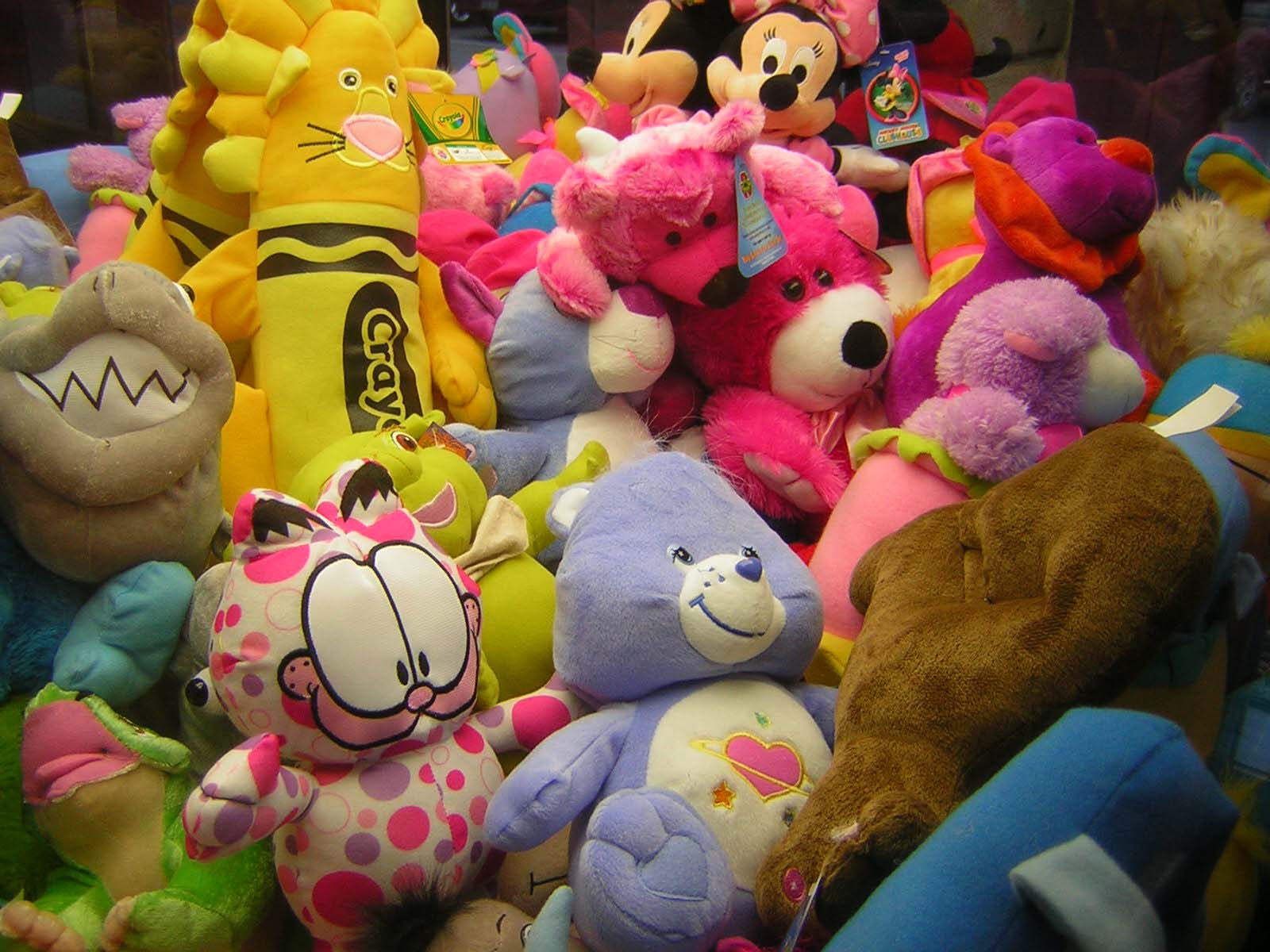 Claw Machine Plush Toys : Claw machine places and things to look at