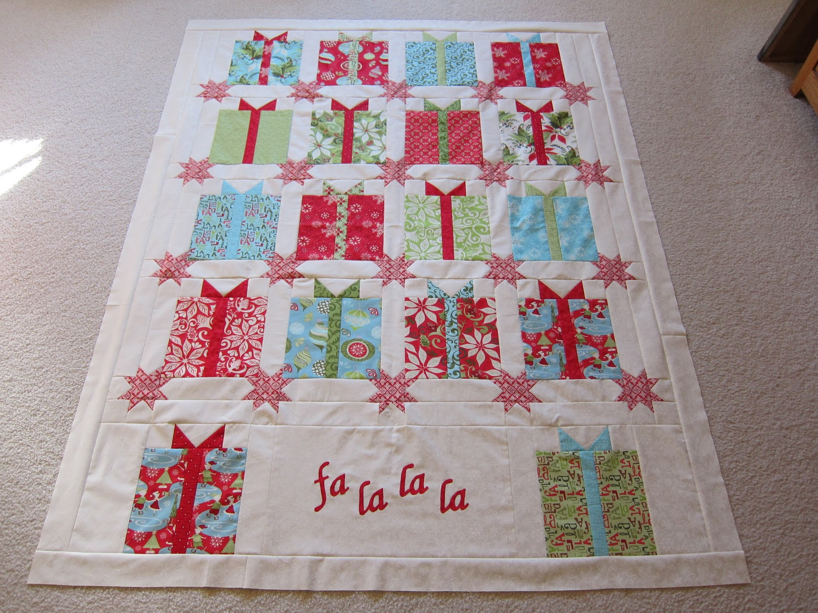 krislovesfabric: Christmas Present quilt top finished!