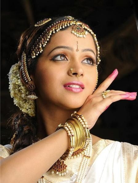 Bhavana in Danicing Dress wallpapers