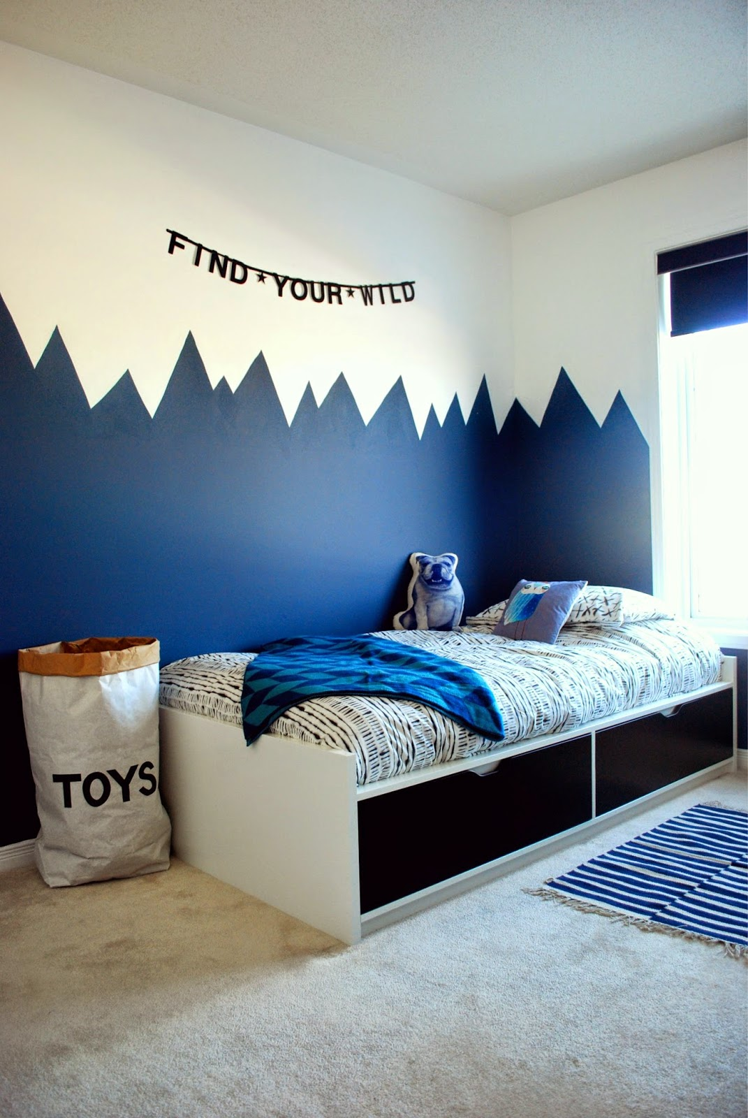 the boo and the boy: the boy's new room!