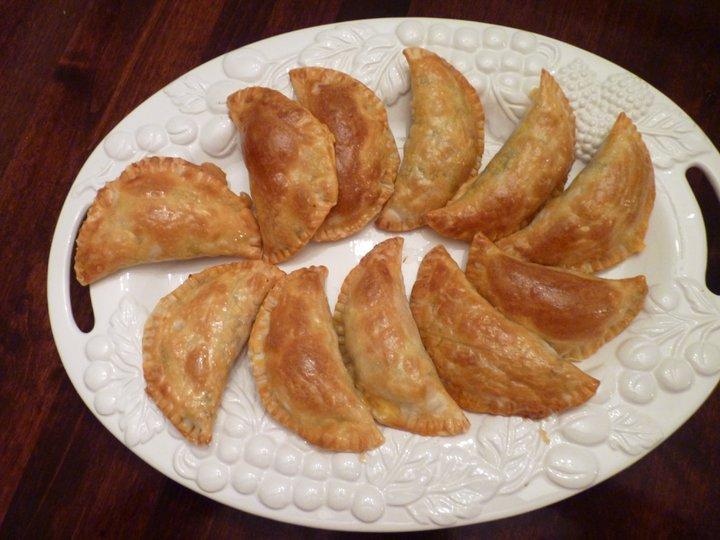 The Peruvian Mom Recipes: EMPANADAS DE CARNE (BEEF EMPANADAS)