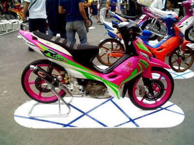 fl125 wiring suzuki shogun techy at day blogger at noon and troubleshooting wiring of any scooter or under bone type of motorcycles is easier if we have a handy schematic of the bike when adding accessories we need