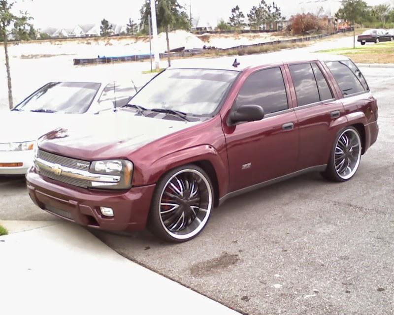 Modifikasi Mobil Chevrolet Trailblazer Merah