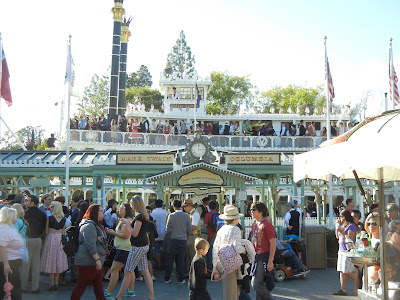 Mark Twain Steamboat - Dapper Day